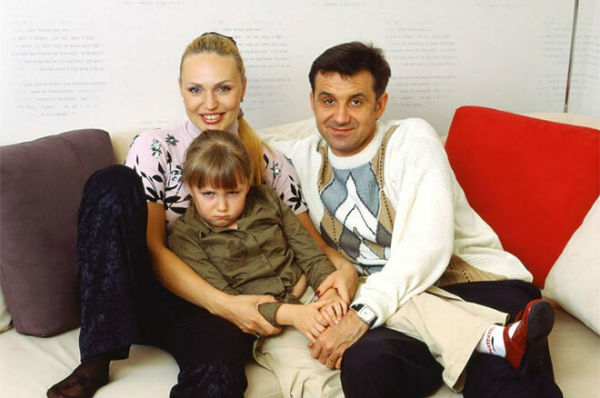 Радиоведущая Алла Довлатова соблазнила майора голосом