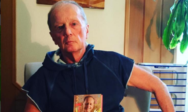 В своей борьбе с раком Михаил Задорнов ищет помощи у шаманов