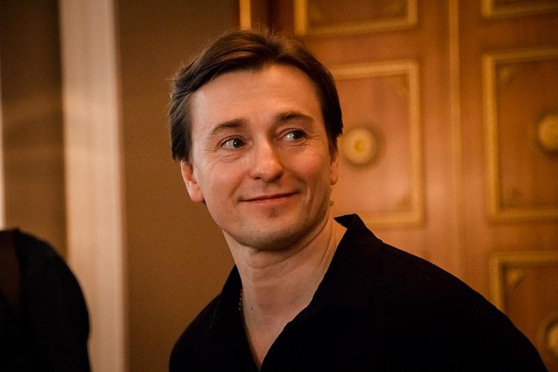 Сергей Безруков трогательно поздравил жену с днём рождения