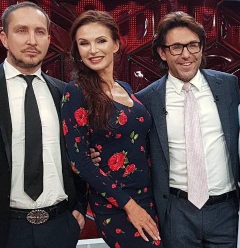 Эвелина Блёданс развелась с мужем