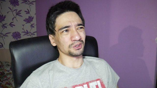 Блогер скончался от укуса змеи