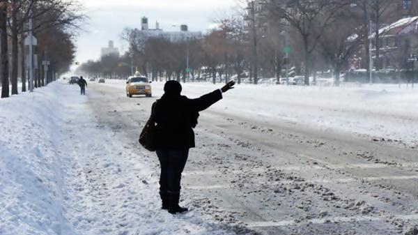 Когда лучше вызвать такси в Новый год