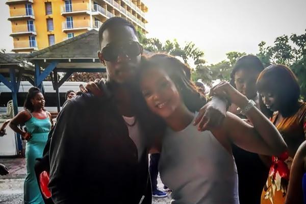 Брат Рианны застрелен неизвестным на Барбадосе
