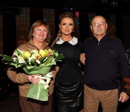 Личная жизнь и семья Анны Семенович полна загадок