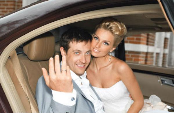 Кирилл Сафонов выдает замуж дочь и мечтает о сыне