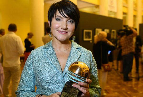 Инга Оболдина: от уборщицы до заслуженной артистки