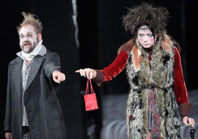 Самбурская в театре